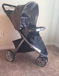 Car seat and stroller travel system Manassas, 20109