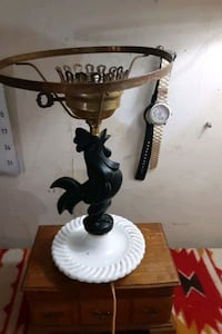 Antique rooster lamp