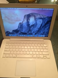 MacBook 2010 duel core processor 4 gb ram 250 hdd Washington, 20012