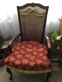 2 wooden chairs Port Charlotte, 33953