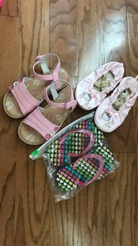 Assorted girls sandals and slippers size 10 & 9.5 Williamsburg, 23188