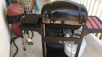 black and gray gas grill Davenport, 52806