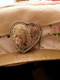 gold-colored heart pendant Pauls Valley, 73075