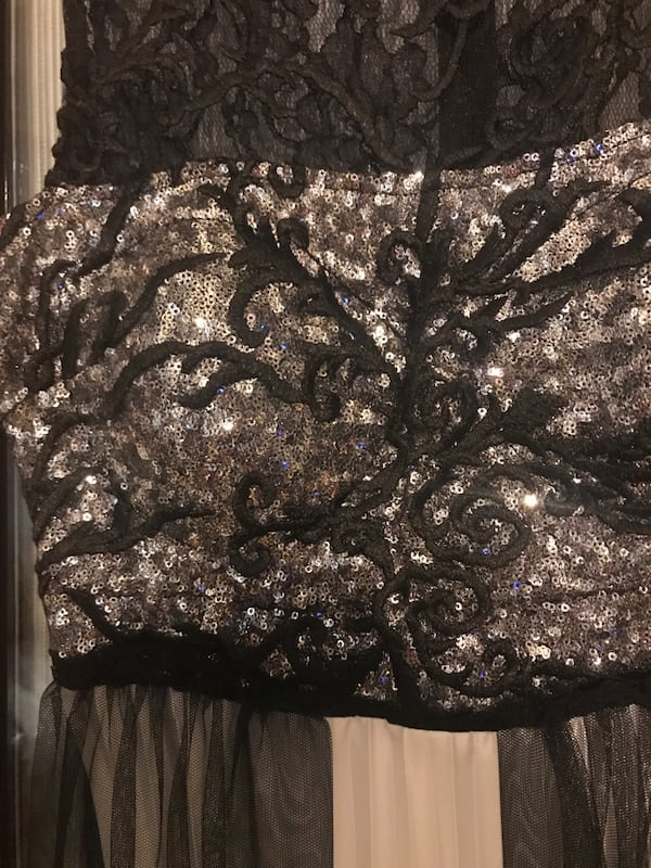 Couture elbise b24cba4a-4591-4c01-b8a0-db6bed63a8f5