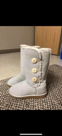 Uggs Brand new Savannah, 31419