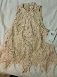 Soft pink lace top , new with tags Alexandria, 22304