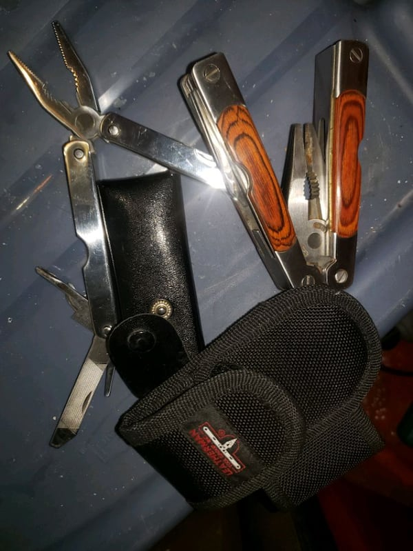 multi tool basically new camping leatherman pouch (2) 67c91d9c-9ef7-43ab-9554-467c960d7da7