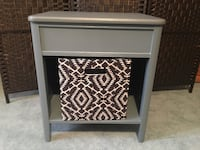 Gray end table w/canvas tote Adamstown, 21710