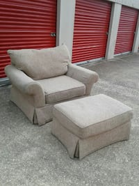 $50 Delivery - Alan White Chair and Ottoman  Houston, 77054