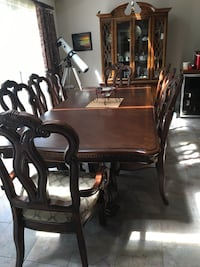 Rectangular brown wooden table with six chairs dining set Newcastle, 95658