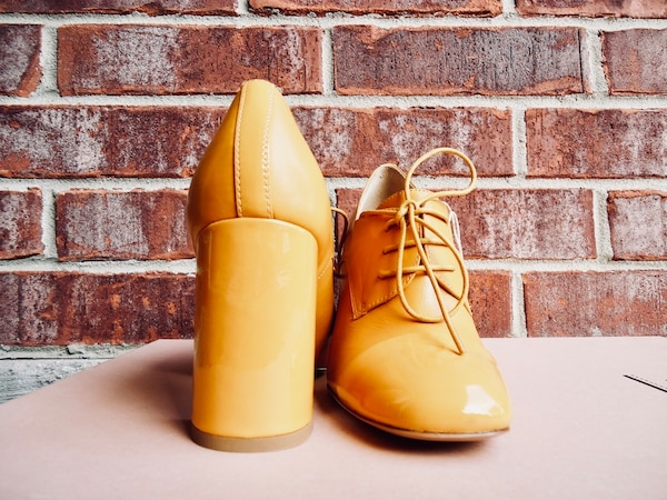 e4fbf81fd1c40 1/5. 1/5. Tap to see more pictures. Swipe to see more info. Nib carlo  pazolini 100% leather oxford pumps size 6 in mustard