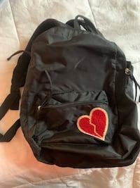 """Small """"heart broken"""" backpack Cape Coral, 33990"""