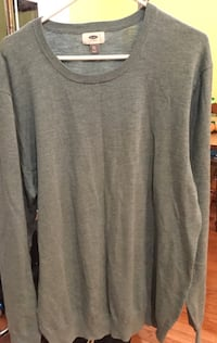 gray crew-neck long-sleeved shirt 62 mi