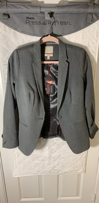 Small women's suit jacket. Grey stripe   Alexandria, 22310