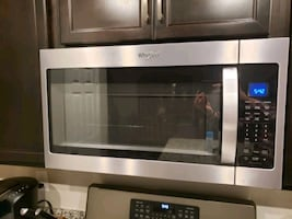 Whirlpool 1.9 cubic foot microwave oven