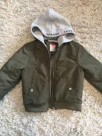 Girls h&m bomber size 4-5 Laval, H7T 3A7