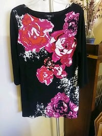 black and pink floral long-sleeved shirt 45 km