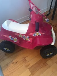 toddler's pink and black ride on toy Montréal, H4J 2A9