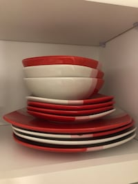 White and red ceramic plate lot 46 km