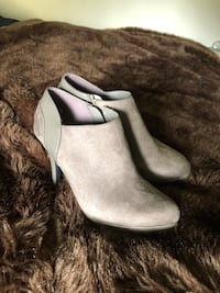 Grey suede bootie boots 8.5 womens like new condition  Annandale, 22003