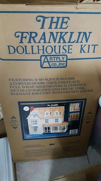 Used The Franklin Dollhouse By Artply For Sale In Norfolk Letgo