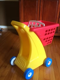 Used little tikes grocery cart