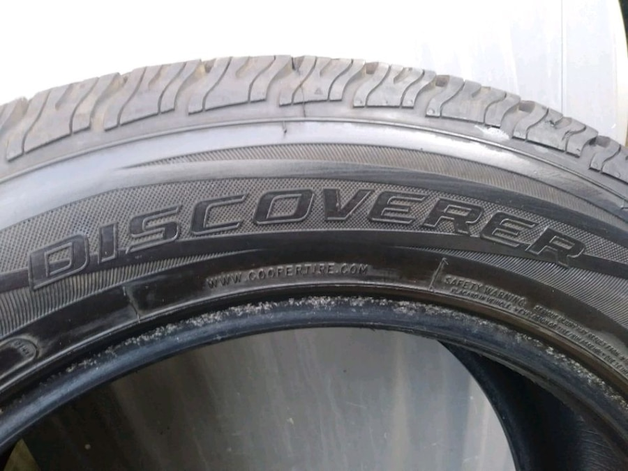 Photo Cooper Discoverer 255/55/18 tire