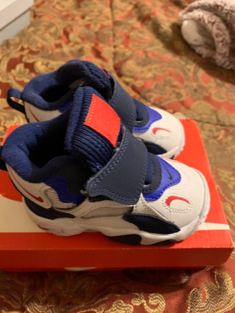 Photo Nike Toddler Size 5 Sneakers