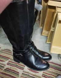Size 10 boots Meridian, 83642