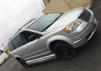 Chrysler - Town and Country - 2010 Hanford, 93230