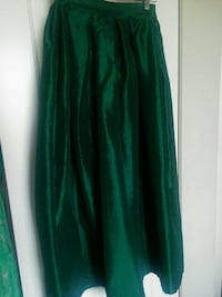 Green skirt from chicwish  Greater Vancouver