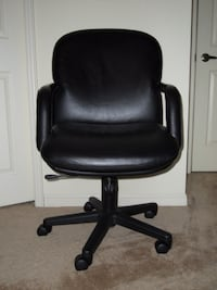 FOUR (4) BRAND NEW EXECUTIVE LEATHER CHAIRS  TORONTO