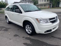 2010 Dodge Journey 3row  W/ 75000 miles  Springfield