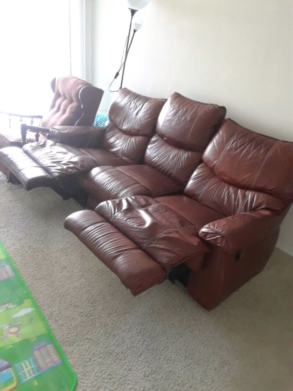 Used brown leather 3-seat recliner sofa for sale in Plano - letgo