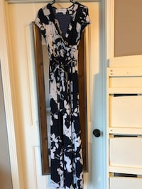 navy and white floral maxi Phenix City, 36869