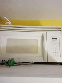 white Frigidaire microwave Winter Haven, 33881