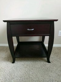 Night stand /side table  Irvine, 92617