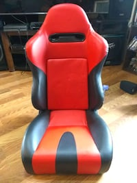 Red and black racing seats  Elma, 98541
