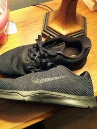 pair of black-and-gray running shoes Oxnard, 93035