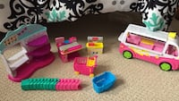 assorted-color plastic toy lot 617 km