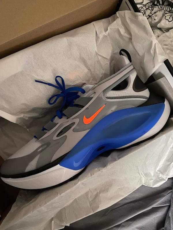 Nike running shoes size 13 22eb8499-7c2a-452e-8553-ef73352bc764