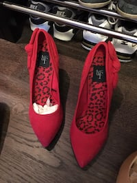 pair of red Trf pointed-toe heeled shoes Toronto, M4Y 0A9