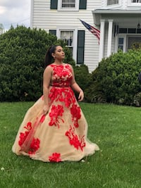 Red & Champagne Floral Prom Dress Woodstock, 22664