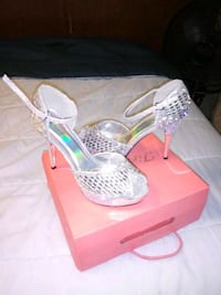 lady shoes  size 9