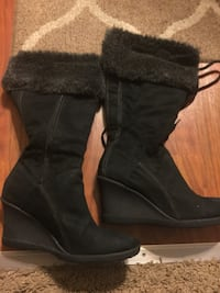 Womens black furline wedge boots size 8