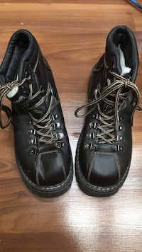 Women's brown fall/winter boots Calgary, T3E 5R3
