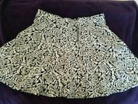white and black floral skirt New Braunfels, 78132