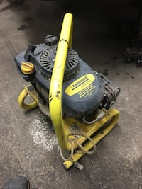 yellow and black Karcher pressure washer runs great no hose. 50 cash