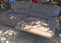 RECLINING COUCH 1405 mi