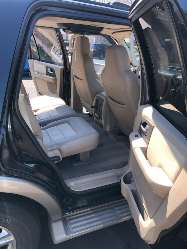Ford - Expedition - 2003 7c7f4e92-5503-4b6b-97e0-81c05a35a21d